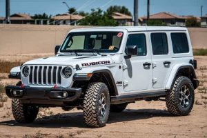 white jeep rubicon suv